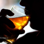 شرب خمر چیست و چه مجازاتی را در پی دارد؟